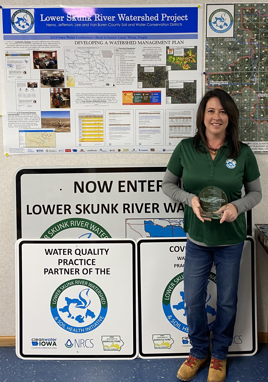 Miranda Haes receives IAWA award.